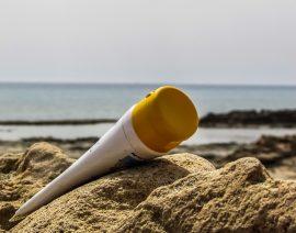 ¿Qué es mejor para protegerte del sol?